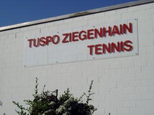 TuSpo Ziegenhain Tennis Schild Aussenanlage